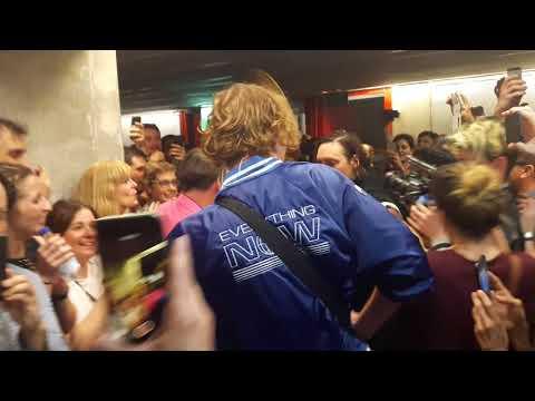 Arcade Fire acaba su apoteósico concierto de Madrid en la calle