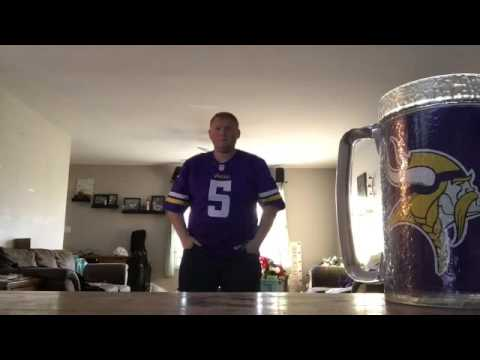 Vikings fan Reacts to Blair Walsh Missed Field Goal Against Seattle in PLAYOFFS  01/10/16 fans react