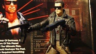 Модель Терминатора T-800. Железный Арни возвращается! (Terminator figure from NECA)