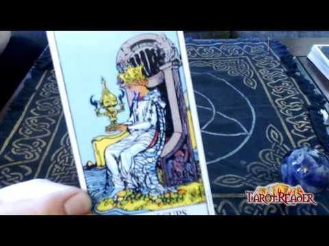 Tarot Card Meanings: The queen of cups