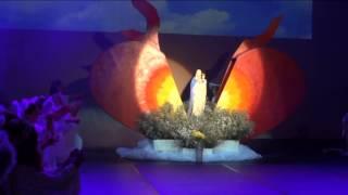 Coroação de Nossa Senhora 2015 - Ens. Fundamental I -  Momento da coroação