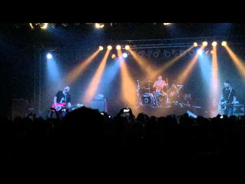 "blink-182 with Matt Skiba - ""Violence"" Live at Soma San Diego 3/20/15 (Crowd Chants ""Skiba!"")"