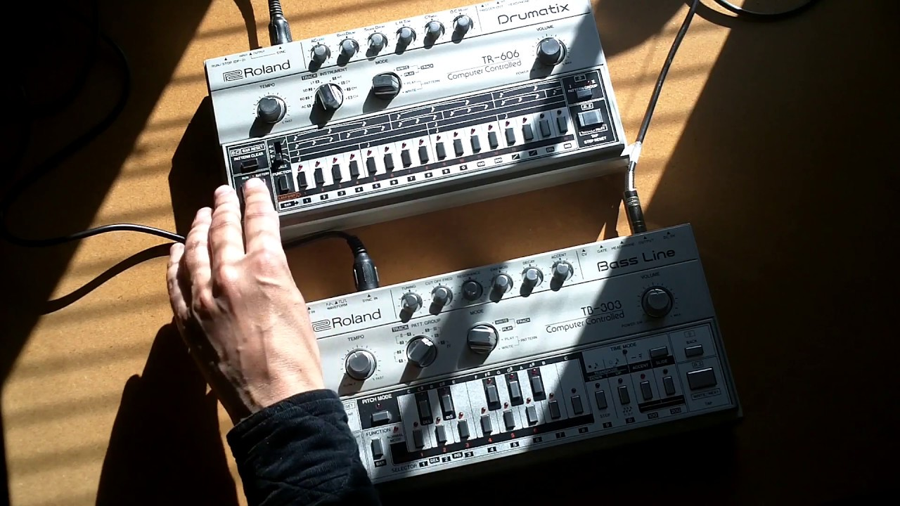 roland tb 303 bass line plus tr 606 drum machine jam youtube. Black Bedroom Furniture Sets. Home Design Ideas