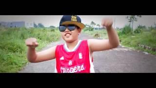 Video video clip cover Lil' Rascal - Gue Kece download MP3, 3GP, MP4, WEBM, AVI, FLV Oktober 2017