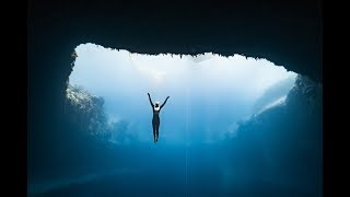 connectYoutube - Anna freediving Dean's Blue Hole