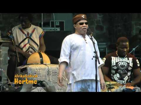 Salif Keita:  La Difference LIVE @ Hertme Festival