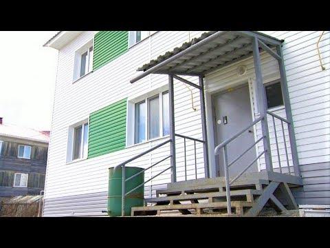 Жители «деревяшки» из Ханты-Мансийска не могут заселиться в свои квартиры
