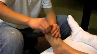 Repeat youtube video 脚底按摩,foot reflexology Blk 250 Tampines.flv