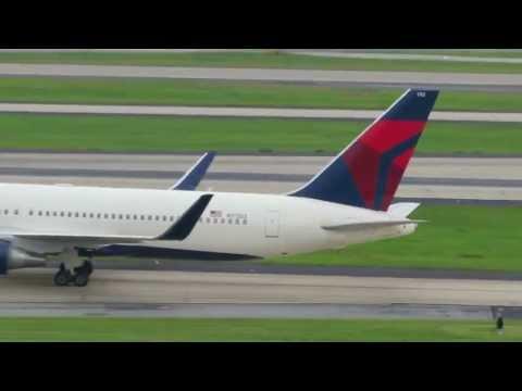 Scenes From Hartsfield-Jackson Atlanta International Airport [HD] - July 1, 2013