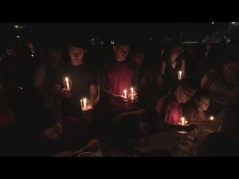 Centos de estudantes despiden en Iowa á golfista española asasinada