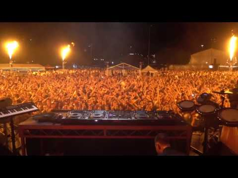 When the DJ trolls the crowd!!! [ 90 seconds OF DISAPPOINTMENT:( ]