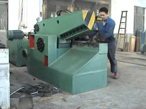 hydraulic baling press for waste metal