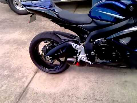 2007 gsxr 750 with akrapovic exhaust youtube. Black Bedroom Furniture Sets. Home Design Ideas