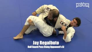 Half Guard Pass Using Opponent's Gi by Jay Regalbuto of SJBJJ • Nogi Bear™