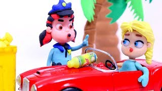 Car, Iphone & Police cartoon 💕 Superhero Play Doh Stop motion videos