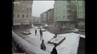 Pedestrian Walkway Collapses under weight of snow!!
