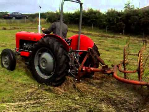 ferguson fe35 1958 with vicon lely acrobat in a field on nebo road rh youtube com  vicon lely acrobat manual