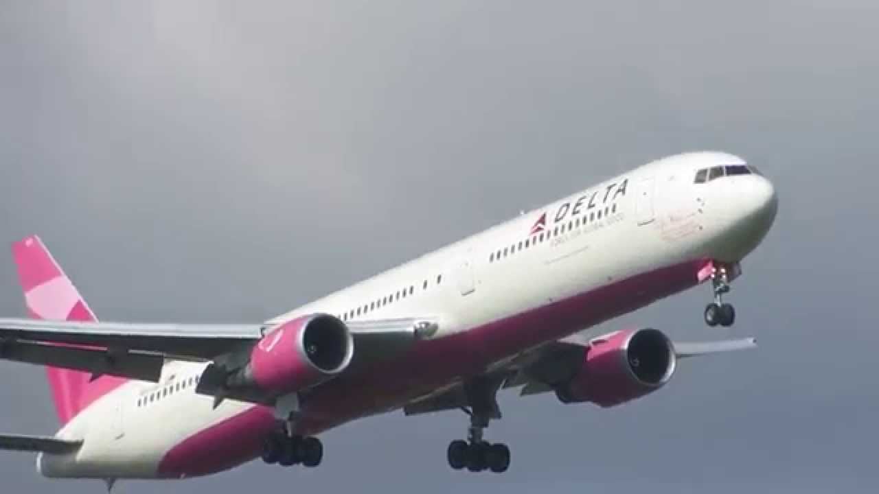 Delta Airlines 767 400er Breast Cancer Livery N845mh
