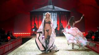 Victoria's Secret Fashion Show 2010 Part 1(, 2010-12-02T04:36:30.000Z)