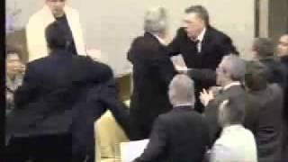 Жирик получил по морде от Савельева .flv