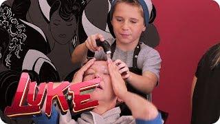Robin ferngesteuert im Friseursalon - LUKE! Die Woche und ich