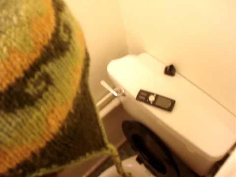 Worlds longest pee - YouTube