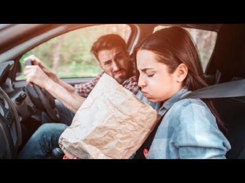 سبب الشعور بالغثيان في الطريق ؟ أثناء القراءة أو استخدام الهاتف