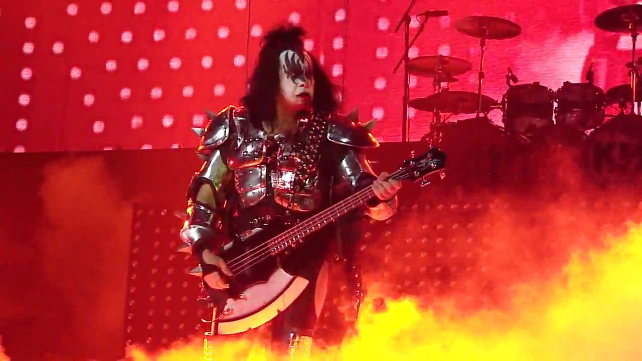 kiss gene simmons spitting blood alive  hd anaheim honda center  youtube