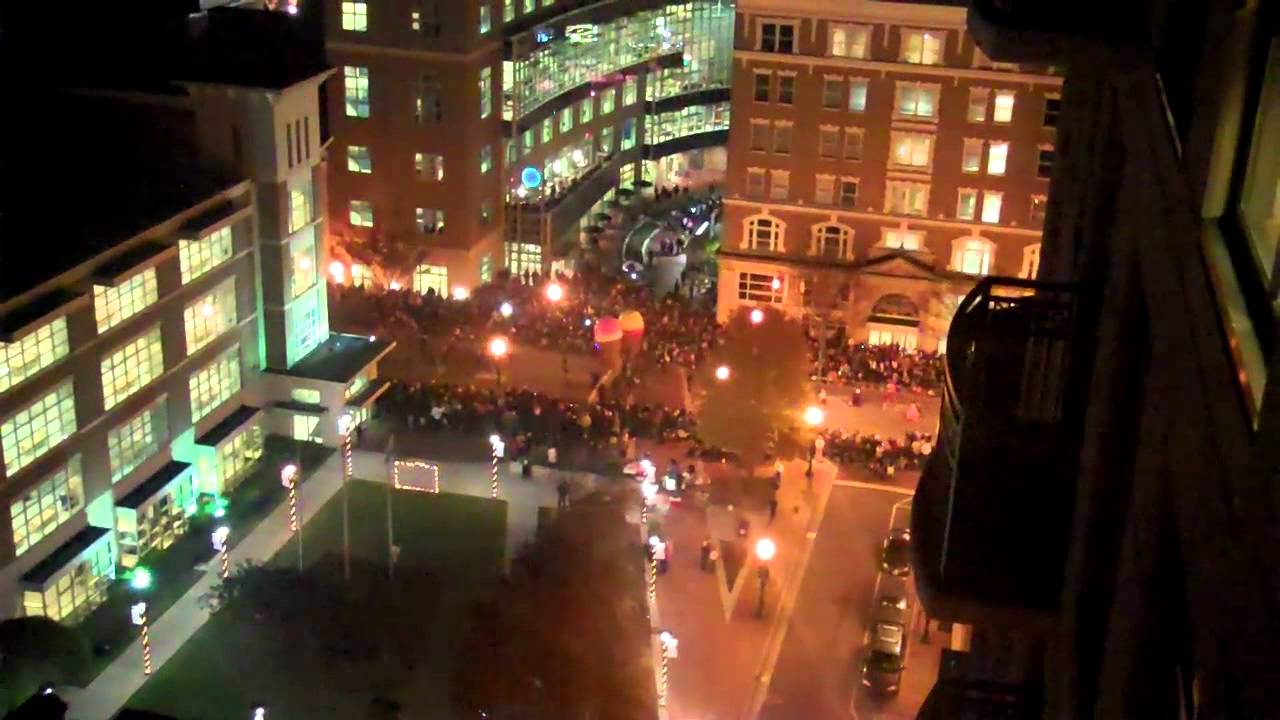 Norfolk, Va. Annual Grand Illumination Parade 2011 -1 - YouTube