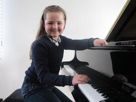 Jugend musiziert 2014 Preisträgerkonzert Laetitia Hahn 10y. Mozart KV 332 u. Mendelssohn Live