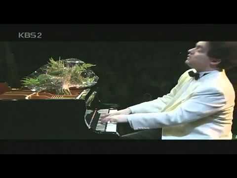 Evgeny Kissin - Liszt Liebestraum - YouTube.flv