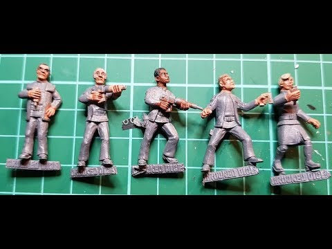 Crooked Dice 28 mm Space 1999 Figures - painting faces