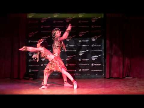 Африканский танец, Анна и Анастасия