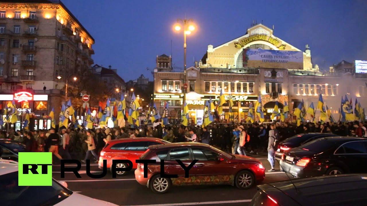 Download Thousands of Ukrainian nationalists march in Kiev