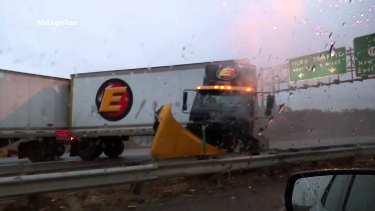 VIDEO: Truck Accident on New Jersey Turnpike I-95
