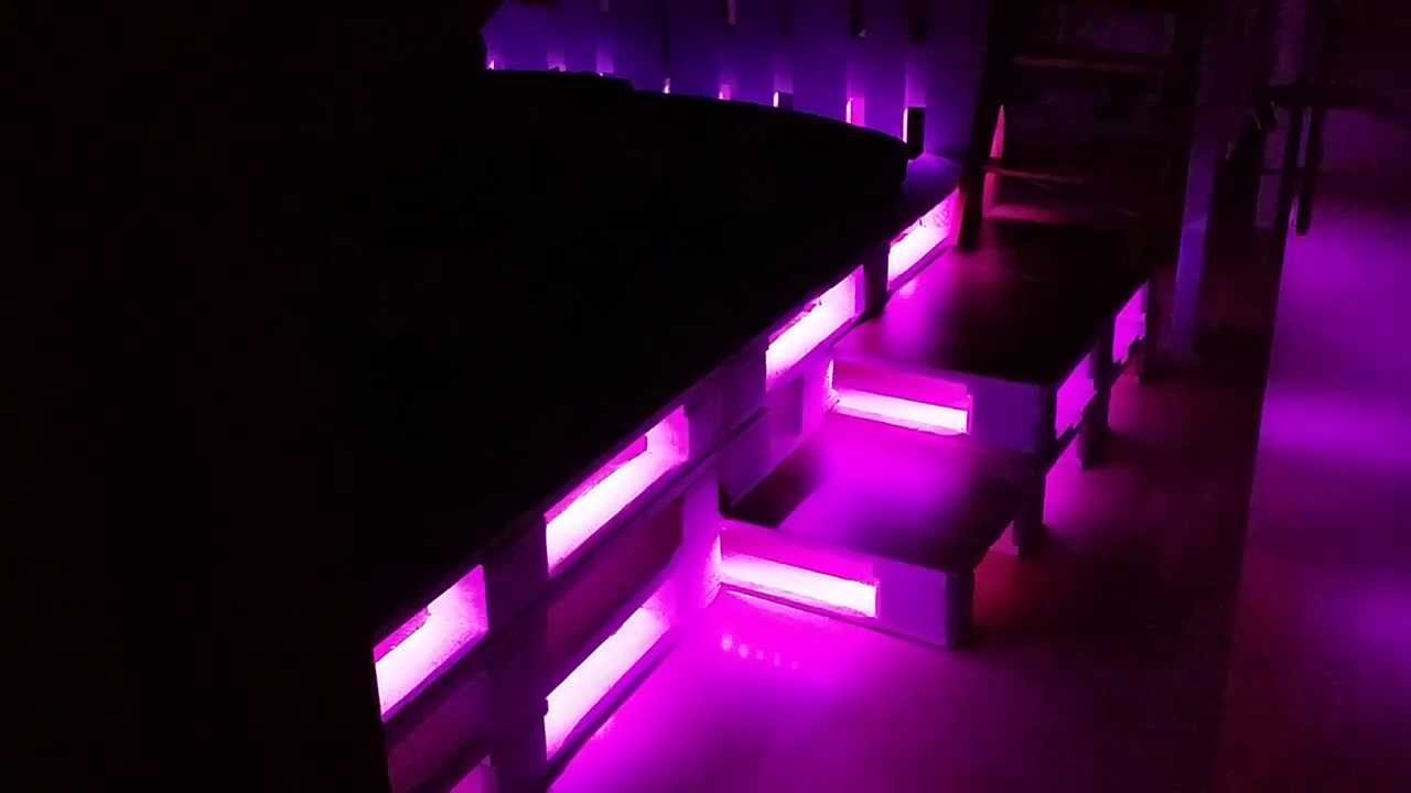 bett aus euro paletten hochbett rutsche led youtube. Black Bedroom Furniture Sets. Home Design Ideas