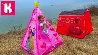 Пикник с палаткой Дисней Принцессы и костром на берегу моря Picnic tent and bonfire on the beach