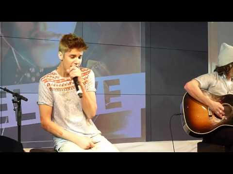 Justin Bieber - Baby- Acoustic @ The Squaire Frankfurt Germany 11.09.2012