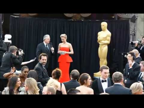 Jennifer Lawrence attends Academy Awards with Nick Hoult (2014)
