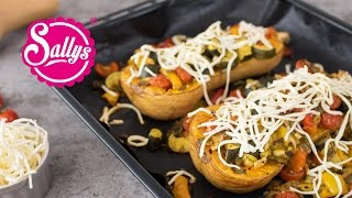 Ofenrezept: superleckerer Butternut Kürbis mit Gemüse und Käse