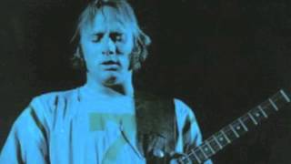 Watch Stephen Stills Wooden Ships video
