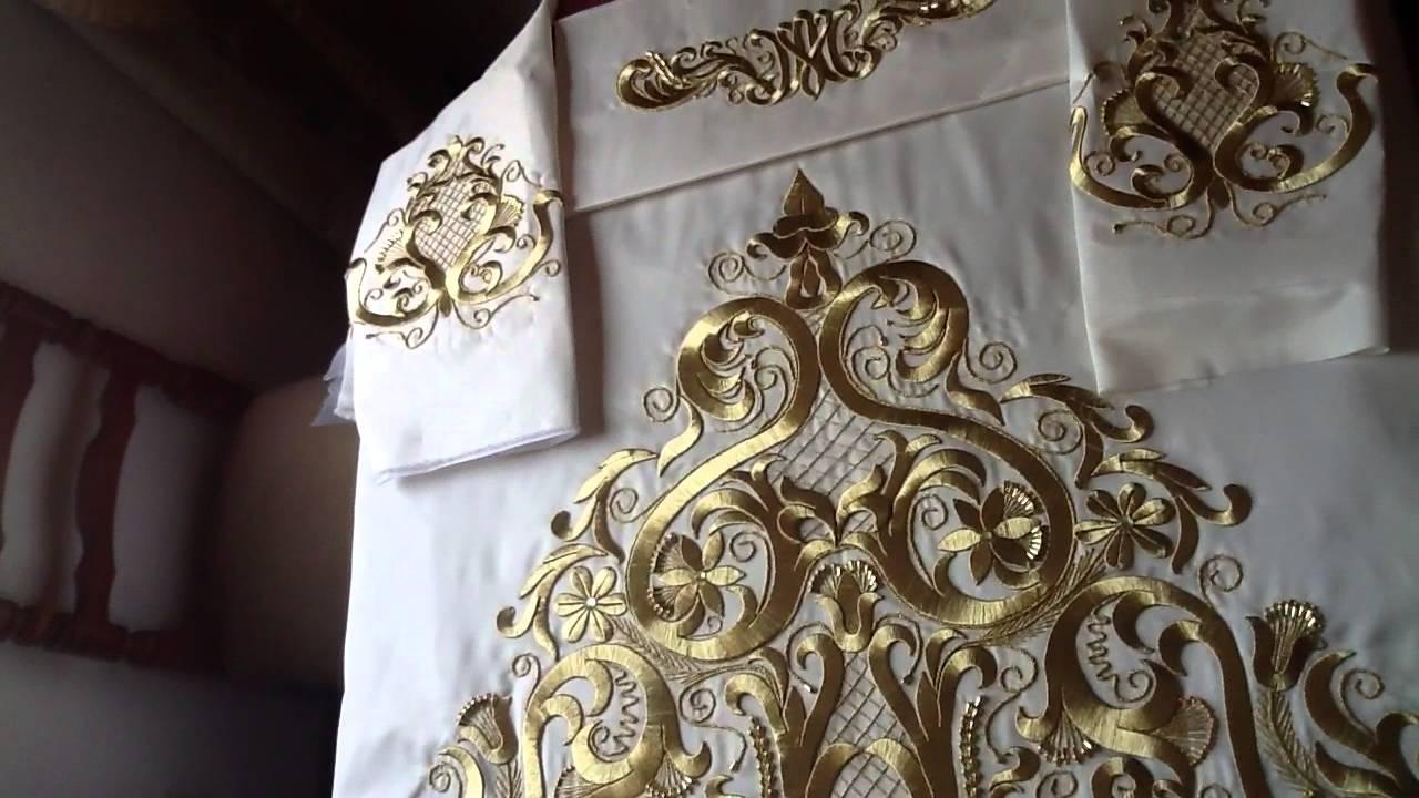 Saya bordada en hilo metalico para Virgen de tamao