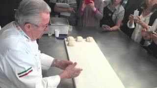 Formatura a mano della Biova Piemontese 2/3 - Maestro Giorilli