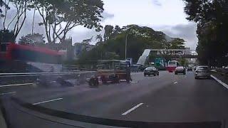 11jul2018 motorbikes crashes onto lorry at pie