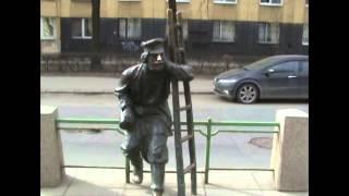 Неизвестное об известном: памятник фонарщику