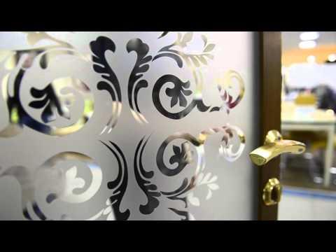 Презентация распашных дверей Евростиль из алюминиевого профиля.