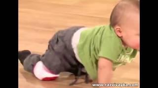 видео наколенники для малышей