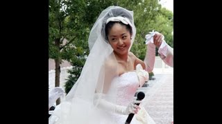 「年内に結婚か」 「明るい輝きで永遠の愛を祝福するリング」をを身に着...