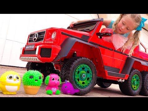 Настя устроила эксперимент с игрушками