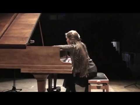 « Live Improvisation II » (piano, wood and paper) - Joanna Goodale